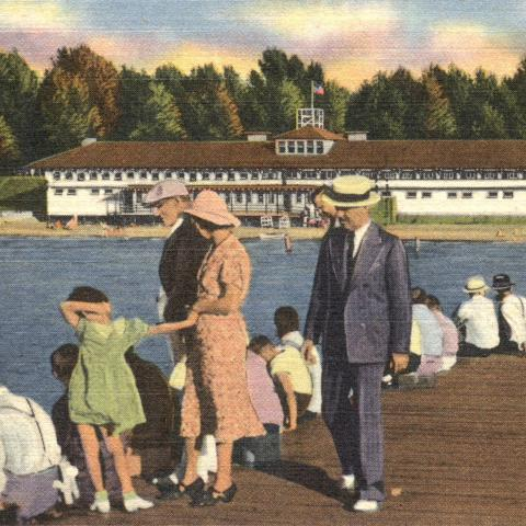 Postcard of the Bathing Pavilion and Pier at Euclid Beach Park on Lake Erie, Cleveland, Ohio.